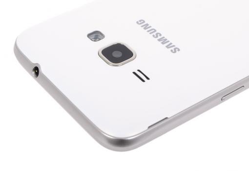 Смартфон Samsung Galaxy J1 (2016) SM-J120F (белый) DS